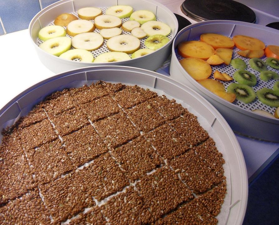 Crackers e frutta essiccati
